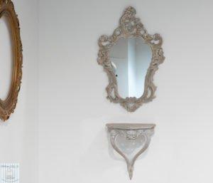 Specchio con consolle shabby chic