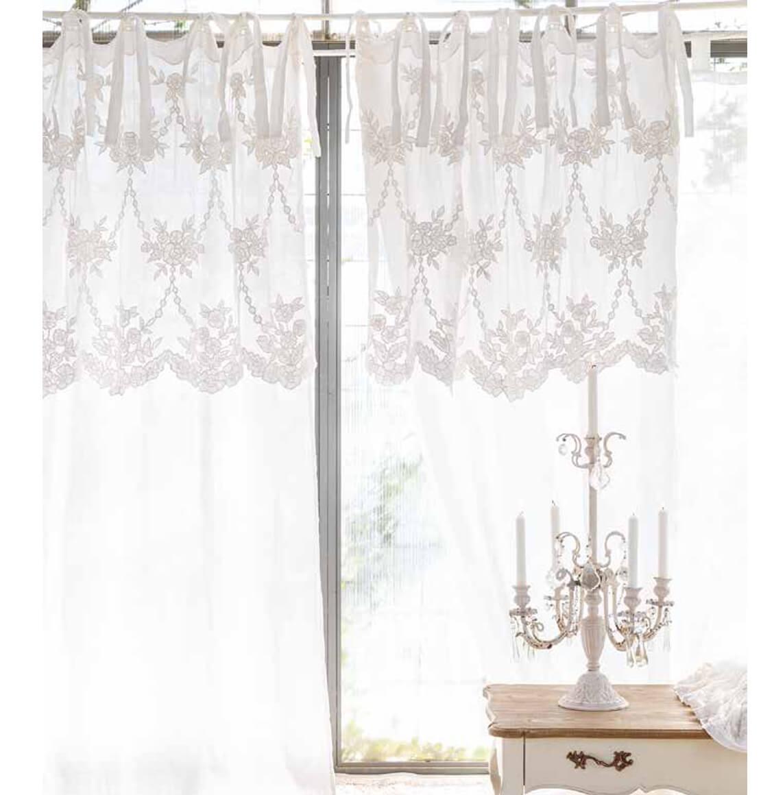 tenda ricamata in lino