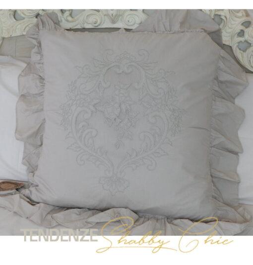 Cuscino beige con gale 60 cm