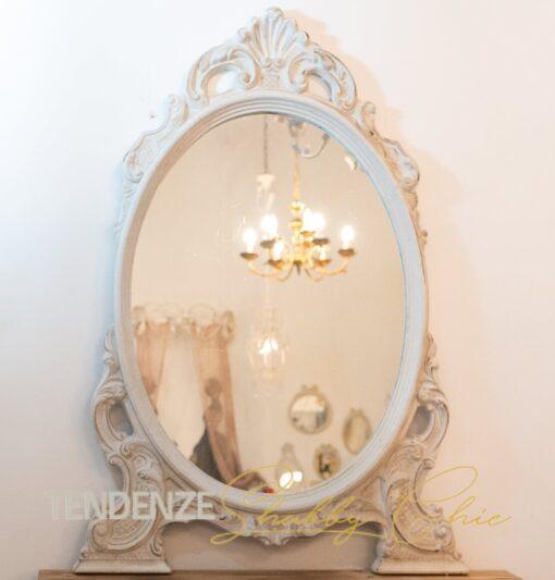 specchio d'appoggio stile shabby chic