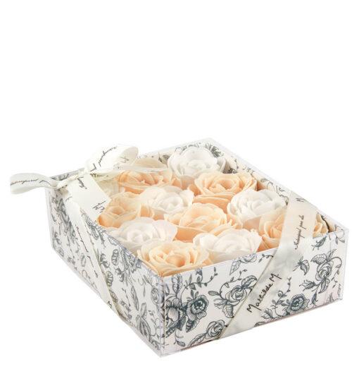 Scatola da 12 rose con petali di sapone bianco e rosa Mathilde M.